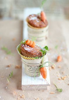 carrot cupcakes. Adorable presentation