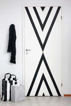 Bedroom Door Design, Bedroom Doors, Diy Bedroom, Washi Tape Door, Masking Tape, Washi Tapes, Porta Diy, Diy Dorm Decor, Home Decor