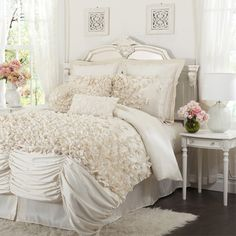 Lucia Comforter Set