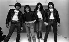 Ramones - Gabba, Gabba, we accept you, we accept you, one of us