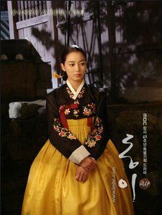 Korean Hanbok, Korean Dress, Korean Hair, Korean Traditional Dress, Traditional Dresses, Lee So Yeon, Korean Princess, Dong Yi, Dress Attire