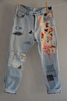 Vintage Distressed Boyfriend Jeans/Hipster Jeans/All Sizes/Grunge Jeans/boho/vin. Vintage Distressed Boyfriend Jeans/Hipster Jeans/All Sizes/Grunge Jeans/boho/vintage jeans/womens j Diy Jeans, Lässigen Jeans, Casual Jeans, Ripped Jeans, Denim Leggings, Patch Jeans, Skinny Jeans, Blue Jeans, Trendy Jeans