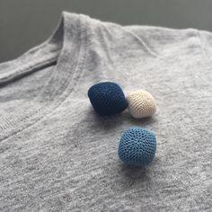 生成りと草木染めの クロッシェレースアクセサリーを制作しています。 Crochet lace accessory / Plant dyeing…