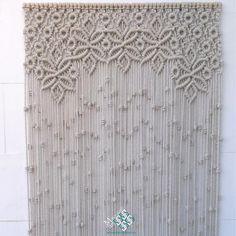 Cortina de macramé modelo reina. Confecciono estas cortinas a medida y por encargo. Pues encargarlas en MacrameArt, la tienda-taller del macramé.