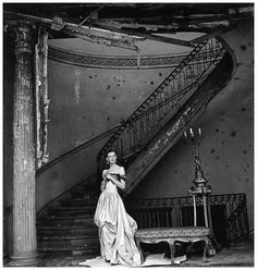 Wenda Rogerson ( Mrs. Norman Parkinson) in London, 1947. Photo by Clifford Coffin.