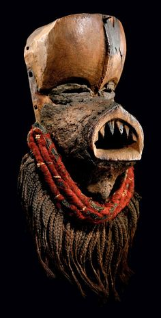 Mask from the Dan people of the Ivory Coast, Early century Arte Tribal, Tribal Art, African Masks, African Art, African Image, Africa Nature, Statues, Liberia, African Sculptures