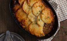 Chakalaka Mince & Potato Crust Pie recipe | All4Women Food Healthy Family Meals, Healthy Snacks, South African Recipes, Ethnic Recipes, Mince Dishes, Masala Curry, Crispy Potatoes, Potato Pie, Spicy Recipes