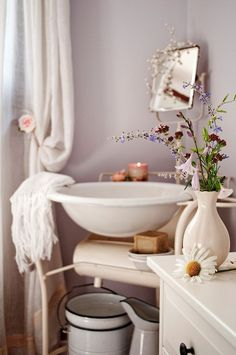 Style Guide: Soft and beautiful bathroom with romantic touches #bathroom