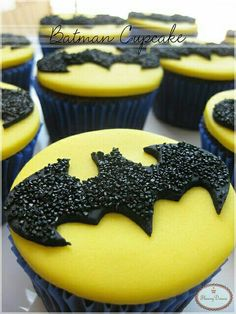 Easy Batman Cupcakes