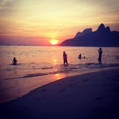 @castrocarol | #sunset no Arpoador. Rio de Janeiro. #Brazil yesterday #photooftheday | Webstagram - the best Instagram viewer