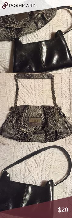 2 bag lot. Nicole Miller & Vintage Liz Claiborne ❣Price lowered❣Vintage Liz Claiborne and Nicole by Nicole Miller shoulder bags.  Can post more pics to show wear just let me know.  Both were well loved and just need a new home. Cleaning out my closet to make more room Liz Claiborne & Nicole Miller Bags Shoulder Bags