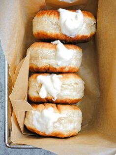 "Vegane Pfannkuchen mit Vanillesahne Vegan pancakes with vanilla cream Vegane Pfannkuchen mit Vanillesahne""}, ""http_status"": window. Vegan Treats, Vegan Foods, Vegan Dishes, Vegan Desserts, Vegan Doughnuts, Vegan Pancakes, Yeast Donuts, Dairy Free Recipes, Vegan Recipes"