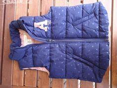 Dětská vesta 110/116, HM - obrázek číslo 1 Comforters, Vest, Blanket, Jackets, Fashion, Creature Comforts, Down Jackets, Moda, Quilts