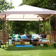 Sunshine and cooling breezes are lovely, but sometimes you can have too much of a good thing. Our parasols and gazebos give you shade and excellent protection from UV rays while our windshields shelter your balcony from wind and nosey neighbours. Many of the fabrics we use for these outdoor products are washable, to keep your outdoor space looking fresh.
