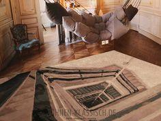 Toller Teppich mit Tiefenwirkung! #klassischwohnen #living #design #interior #interiordesign #decoration #homestyling #interiorstyling #classicalhomes #classicaldecoration #classicaldesign #classicalliving #carpet #reuberhenning #blessdesign Interiordesign, Table, Furniture, Home Decor, Classic, Homes, Homemade Home Decor, Mesas, Home Furnishings