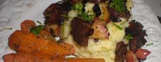 Brændende kærlighed og bagte gulerødder - En gammelkendt ret i nye klæder. Brug hvad du har af krydderurter eller krydderier på gulerødderne.  - http://www.dropslankekuren.dk/tophistorie/braendende-kaerlighed-og-bagte-gulerodder/