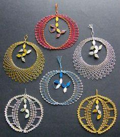 Bobbin Lacemaking, Bobbin Lace Patterns, Lace Heart, Lace Jewelry, Wedding Tattoos, Needle Lace, Lace Making, String Art, Lace Detail