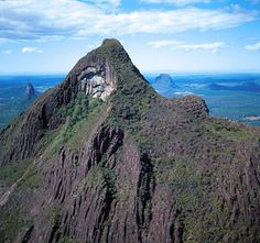 At above sea level, Mount Beerwah is the highest peak of the Glass House Mountains. Glasshouse Mountains, Weekend Activities, Close To Home, Queensland Australia, Sunshine Coast, Glass House, East Coast, Things To Do, Tourism