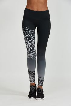 Noli Yoga Tree of Life Legging in Ombre Funky Leggings, Best Leggings, Women's Leggings, Hot Pants, Tree Of Life, Bra Sizes, Fitness Fashion, Sport Outfits, Soft Fabrics
