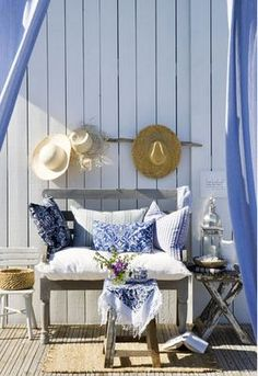Coastal décor.  Love the paneling.