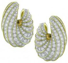 15.70ct diamond gold earrings front view photo