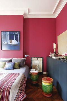 Un salon rouge moderne : Des couleurs chaudes sur les murs du salon ...