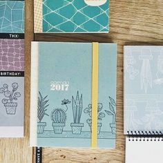 Een hele doos prachtige nieuwe #pillahstudio producten ontvangen vandaag. Hou de site in de gaten voor geweldige #agenda #jaarplanner #notebooks #posters #tassen. Binnenkort meer.... #grinandbeam #webwinkel #webshop