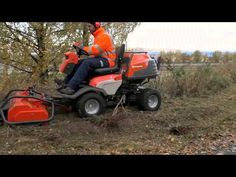 Watch the Husqvarna P 524 in action. Here, equipped with a highly productive flail mower, it shows you how to cut rough areas with brushwood and overgrown gr. Lawn Mower, Agriculture, Outdoor Power Equipment, Action, Youtube, Lawn Edger, Group Action, Grass Cutter, Garden Tools