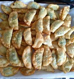 Κρητικά χορτοπιτάκια βήμα-βήμα! Snack Recipes, Snacks, Shrimp, Chips, Food, Greek Recipes, Snack Mix Recipes, Appetizer Recipes, Appetizers