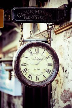 Street Clock Rock Around The Clock, Campaign Furniture, Father Time, Steampunk House, Cool Clocks, Tic Toc, Time Of Your Life, Historical Artifacts, Industrial Style