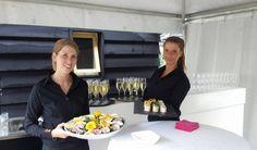 Pion zet voor iedere gelegenheid de juiste mensen in. #privefeest #oesters #champagne #bediening #bar #horecamedewerkers #pionhorecaenpromotie #sprankeling #gastvrijheid #gezelligheid