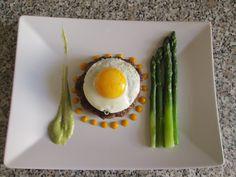 JHS  /Hamburger  di vitello  uovo e  asparagi Gino D'Aquino
