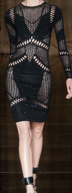 London Fashion Week Spring 2014 Julien Macdonald  - Top Pinterest pick by RetoxMagazine.com