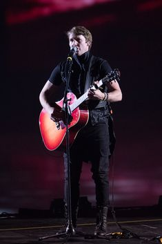 James Blunt On Tour In Switzerland With Art On Ice in Zurich, Lausanne, Davos and Basel, along with champion ice skaters James Blunt, Basel, Davos, Lausanne, Blunt Art, Kaetlyn Osmond, Stephane Lambiel, Buy Tickets, To Go