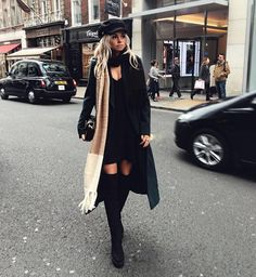Get the look: 3 x outfits à la Claartje Rose Street Style Outfits, Fashion Outfits, Womens Fashion, Gigi Hadid Outfits, Winter Stil, Outfits With Hats, Black Outfits, Swimwear Fashion, Fall Looks