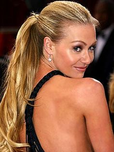 To get this style, Jones recommends Bumble and Bumble Styling Lotion and blow-drying. Crimp dry hair in the front and pull it all into a high ponytail and secure with spray. Cute Ponytail Hairstyles, Cute Ponytails, High Ponytails, Dark Roots Blonde Hair, Dark Hair, Bumble And Bumble Styling Lotion, Perfect Ponytail, Portia De Rossi, Beautiful Long Hair