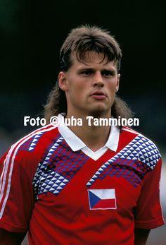 Tomas Skuhravy @ Czechoslovakia [a] Football Uniforms, Football Players, Genoa Cfc, Retro, The Past, Soccer, Culture, Portrait, Classic
