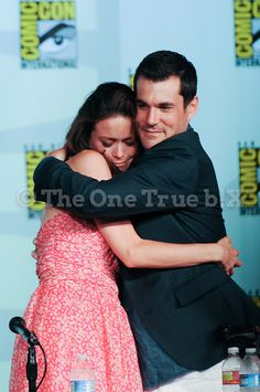Summer Glau and Sean Maher (River and Simon Tam from Firefly/Serenity) at Comic Con.