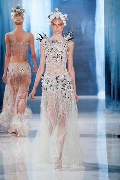 Ice angel at Valentin Yudashkin Fall 2013 #runway #fashionweek