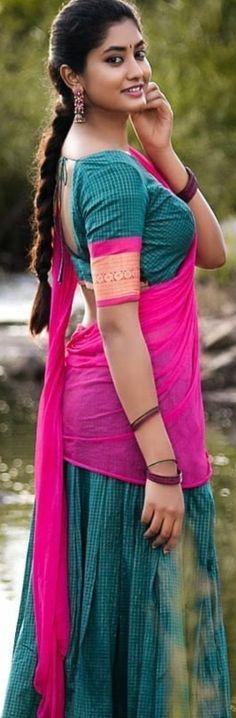 Beautiful Girl Indian, Most Beautiful Indian Actress, Most Beautiful Women, Cute Beauty, Beauty Full Girl, Beauty Women, Indian Bride Poses, Desi Girl Image, South Indian Actress Hot