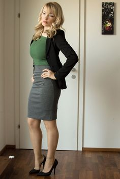 Multiuser outfit-business and evening - pencil gray-green dress and black jacket Busy At Work, Back To Work, Mango Shoes, Body Training, Rose Dress, Hunters, Sexy Legs, Work Outfits, Green Dress