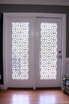 Choosing windows treatments for your patio door can be challenge. Check out our top five DIY patio door window treatments. French Door Windows, French Door Curtains, French Doors Patio, Windows And Doors, Bay Windows, Slider Curtains, Glass Door Curtains, Sunroom Windows, French Patio