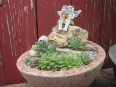 The Papercrete Potter: Simple Succulent Garden......