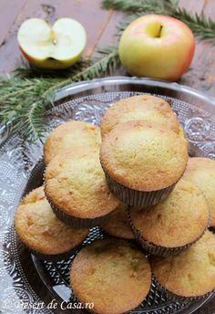 Briose cu mere - Desert De Casa - Maria Popa Deserts, Cooking Recipes, Pie, Baking Recipes, Postres, Cooker Recipes, Food Recipes, Dessert, Desserts