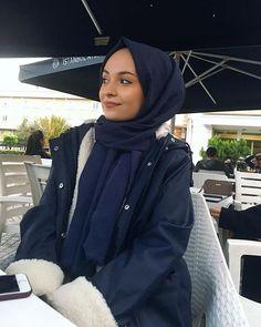 Week End Hijab Fashion Cute Pemuja Wanita Tesettür Ayakkabı Modelleri 2020 Modern Hijab Fashion, Abaya Fashion, Muslim Fashion, Modest Fashion, Muslim Girls, Muslim Women, Hijab Style Tutorial, Simple Hijab, Ideas For Instagram Photos