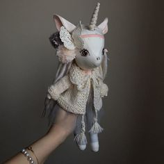 Мои закладки Unicorn Doll, Unicorn Gifts, Cute Unicorn, Felt Dolls, Baby Dolls, Doll Patterns, Knitting Patterns, Fox Toys, Cute Stuffed Animals