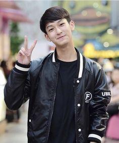 Boy Face, Thai Drama, Teen Boys, Series Movies, Asian Boys, Face Claims, Pretty Boys, Bomber Jacket, Actors