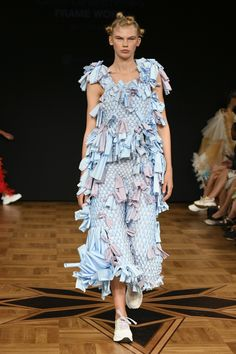 Swedish School of Textiles Stockholm Spring 2019 Fashion Show Collection: See the complete Swedish School of Textiles Stockholm Spring 2019 collection. Look 62 Tokyo Fashion, Fashion Week, Runway Fashion, Stockholm, Ukraine, Seoul, Models Backstage, Fashion Show Collection, Mannequins