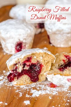 Raspberry Filled Donut Muffins. These powdered donut muffins with raspberry jam filling are a great brunch alternative to high fat fried donuts but with plenty of authentic donut flavour. #Brunch #teatime #coffeebreak #weekendbrunch #bestmuffinrecipes Fried Donuts, Big Donuts, Baked Doughnuts, Muffin Recipes, Cupcake Recipes, Brunch Recipes, Dessert Recipes, Brunch Ideas, Dessert Ideas