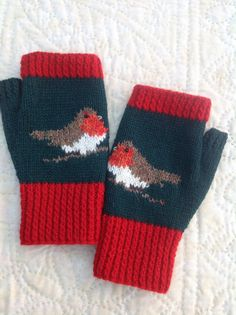 Christmas Robin mittens- no real source link, just an image. I tried to do a google image search, but couldn't find anything. Anyone know the source?